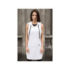 """Sukienka """"White Hoodie"""" - Bohater x Paula Tomczyk. Czarne sukienki dzianinowe marki Sinsay, l, z kapturem. Za 104,30 zł."""