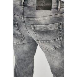 Medicine - Jeansy Basic. Szare jeansy męskie slim MEDICINE. W wyprzedaży za 69,90 zł.
