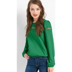T-shirty damskie: Koszulka z ażurową wstawką