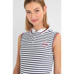 T-shirty damskie: Tommy Jeans BADGE SLEEVELESS  Koszulka polo black iris/bright white