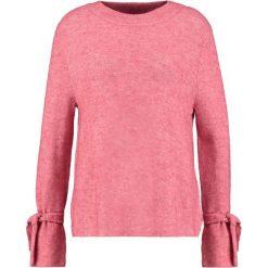 Swetry klasyczne damskie: Betty & Co Sweter pink candy