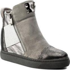 Sneakersy NESSI - 17301 Szary. Czarne sneakersy damskie marki Nessi, z materiału, na obcasie. W wyprzedaży za 269,00 zł.