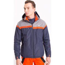 Kurtka narciarska męska KUMN003z - granatowy ciemny - 4F. Niebieskie kurtki męskie zimowe 4f, m, z materiału, z kapturem. Za 249,99 zł.