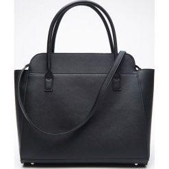 Duża torebka typu CITY - Czarny. Czarne torebki klasyczne damskie Cropp, duże. Za 99,99 zł.