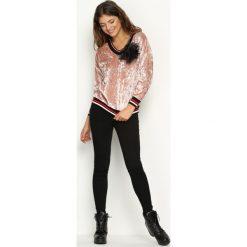 Różowa Bluza Glowing. Czerwone bluzy z kieszeniami damskie Born2be, uniwersalny, w kolorowe wzory, z materiału. Za 44,99 zł.
