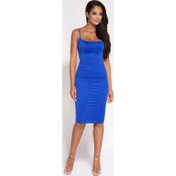 Niebieska  Dopasowana Sukienka Midi na Cienkich Ramiączkach. Białe długie sukienki marki BIALCON, na imprezę, w koronkowe wzory, z koronki, z kopertowym dekoltem, kopertowe. Za 268,90 zł.