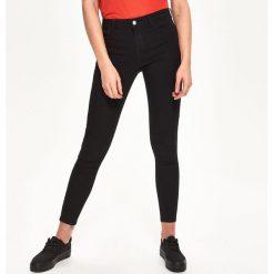 Boyfriendy damskie: Jeansy skinny mid-waist - Czarny