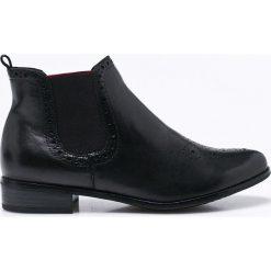 Marco Tozzi - Botki. Czarne buty zimowe damskie Marco Tozzi, z materiału, z okrągłym noskiem. W wyprzedaży za 219,90 zł.