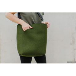 Torebki klasyczne damskie: torebka filcowa LEŚNA z paskiem na skos