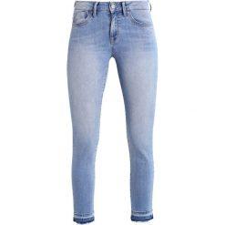 Mavi UPTOWN SOPHIE Jeansy Slim Fit light. Niebieskie rurki damskie Mavi. W wyprzedaży za 147,95 zł.