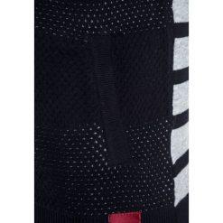 IKKS CARGO Kardigan navy. Niebieskie swetry chłopięce marki IKKS, z bawełny. W wyprzedaży za 231,20 zł.