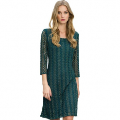 Sukienka w kolorze ciemnozielonym. Zielone sukienki marki Almatrichi, s, z okrągłym kołnierzem, midi, proste. W wyprzedaży za 179,95 zł.