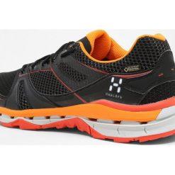 Haglöfs OBSERVE GT SURROUND MEN Obuwie hikingowe true black/habanero. Czarne buty trekkingowe męskie Haglöfs, z materiału, outdoorowe. Za 719,00 zł.