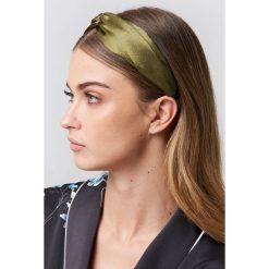 NA-KD Accessories Satynowa opaska do włosów - Green. Zielone ozdoby do włosów NA-KD Accessories. Za 40,95 zł.