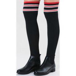 Czarne Kozaki Solidity. Czarne buty zimowe damskie vices, z materiału, z okrągłym noskiem, na obcasie. Za 149,99 zł.