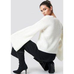 NA-KD Sweter z dużym rękawem - White,Offwhite. Szare swetry klasyczne damskie marki NA-KD, z bawełny, z podwyższonym stanem. Za 141,95 zł.