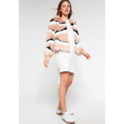 Sukienki hiszpanki: Native Youth TECTONICS Sukienka letnia white/oatmeal