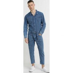 Only & Sons ONSJIM BOILER SUIT Jeansy Zwężane light blue denim. Brązowe jeansy męskie marki Only & Sons, l, z poliesteru. Za 379,00 zł.