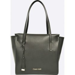 Calvin Klein - Torebka Frame Large Shopper. Szare shopper bag damskie Calvin Klein, z materiału, do ręki, duże. W wyprzedaży za 549,90 zł.