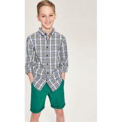 Koszula w kratę - Zielony. Białe koszule chłopięce marki Reserved, l, z dzianiny. Za 139,99 zł.