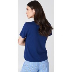 NA-KD Basic T-shirt basic - Blue,Navy. Zielone t-shirty damskie marki Emilie Briting x NA-KD, l. Za 40,95 zł.