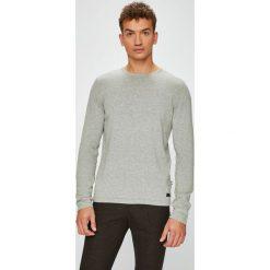 Produkt by Jack & Jones - Sweter. Szare swetry klasyczne męskie marki PRODUKT by Jack & Jones, l, z bawełny, z okrągłym kołnierzem. W wyprzedaży za 59,90 zł.