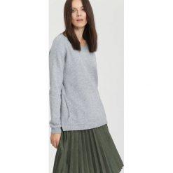 Szary Sweter Average. Szare swetry klasyczne damskie other, na jesień, l. Za 79,99 zł.