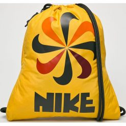 Nike Sportswear - Plecak. Pomarańczowe plecaki damskie Nike Sportswear, z poliesteru. W wyprzedaży za 69,90 zł.