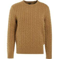 Swetry klasyczne męskie: J.CREW CABLE Sweter camel