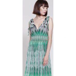 Sukienki hiszpanki: Zielona Sukienka Buterflies Wings