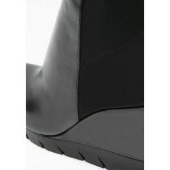 Bruno Premi Muszkieterki black. Niebieskie buty zimowe damskie marki Bruno Premi, z materiału. W wyprzedaży za 607,20 zł.