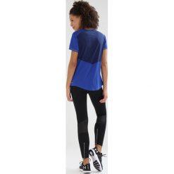 Salomon AGILE TEE Tshirt z nadrukiem night sky/crown blue. Niebieskie t-shirty damskie Salomon, xs, z nadrukiem, z materiału. Za 149,00 zł.