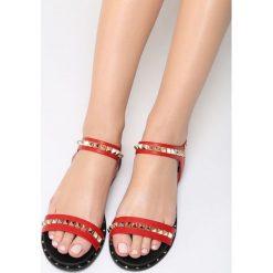 Czerwone Sandały Lunar. Czerwone sandały damskie marki Born2be, z materiału, na obcasie. Za 69,99 zł.