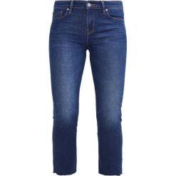 Edwin Jeansy Slim Fit blue shredded. Niebieskie boyfriendy damskie Edwin. W wyprzedaży za 230,45 zł.