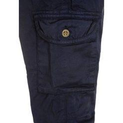 Scotch Shrunk RELAX FLIGHT WITH ELASTICATED WAISTBAND Bojówki navy. Niebieskie spodnie chłopięce Scotch Shrunk, z bawełny. W wyprzedaży za 187,85 zł.