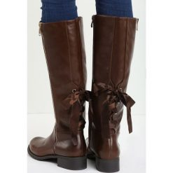 Brązowe Kozaki I'm With You. Czarne buty zimowe damskie marki Kazar, ze skóry, przed kolano, na wysokim obcasie, na obcasie. Za 89,99 zł.
