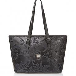 Skórzana torebka w kolorze czarnym - 42 x 26 x 16 cm. Czarne torebki klasyczne damskie I MEDICI FIRENZE, z materiału. W wyprzedaży za 434,95 zł.