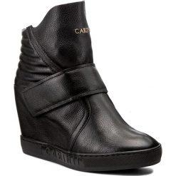 Botki CARINII - B4043 J23-000-PSK-B88. Czarne buty zimowe damskie Carinii, z materiału, na obcasie. W wyprzedaży za 289,00 zł.