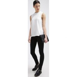 Freeman T. Porter Jeansy Slim Fit black. Niebieskie jeansy damskie marki Freeman T. Porter. Za 369,00 zł.
