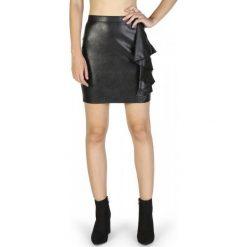 Guess Spódnica Damska S Czarny. Czarne spódniczki Guess, s, z aplikacjami, ze skóry. W wyprzedaży za 309,00 zł.