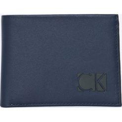 Portfele męskie: Calvin Klein Jeans – Portfel skórzany + brelok