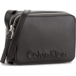 Listonoszki damskie: Torebka CALVIN KLEIN BLACK LABEL - Edge Small Crossbody K60K604004 001