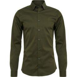 Tiger of Sweden FILBRODIE Koszula biznesowa 421. Brązowe koszule męskie marki Tiger of Sweden, m, z wełny. Za 379,00 zł.