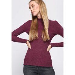 Fioletowy Sweter By Birth. Niebieskie swetry klasyczne damskie marki ARTENGO, z elastanu, ze stójką. Za 34,99 zł.
