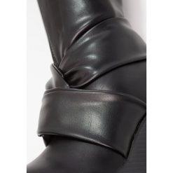 Lost Ink TILLY KNOT DETAIL WEDGE BOOT Kozaki na obcasie black. Czarne buty zimowe damskie Lost Ink, z materiału, na obcasie. W wyprzedaży za 164,45 zł.