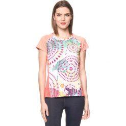 Koszulka w kolorze brzoskwiniowym ze wzorem. Brązowe bluzki sportowe damskie Desigual Sport, s. W wyprzedaży za 130,95 zł.