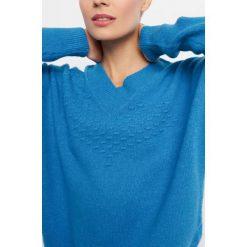 Sweter oversize. Niebieskie swetry oversize damskie marki Orsay, xs, z dzianiny. W wyprzedaży za 70,00 zł.