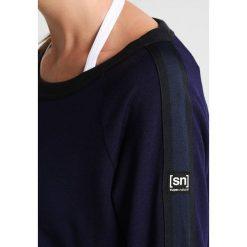 Bluzy rozpinane damskie: super.natural 3D RIBBED  Bluza deep purple