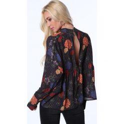 Bluzka z półgolfem w kwiaty czarna MP28542. Czarne bluzki asymetryczne Fasardi, m, w kwiaty. Za 49,00 zł.