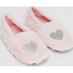 Kapcie damskie: Pluszowe slippersy – Różowy